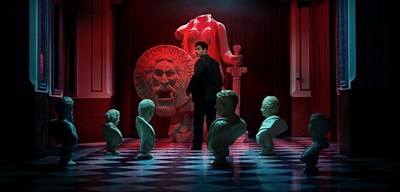 Young Fellini and 'The Mouth of Truth', a key scene in a new short movie created using Artificial Intelligence as part of Campari Red Diaries 2021 Fellini Forward; a project exploring the creative genius of Federico Fellini. (PRNewsfoto/Campari)